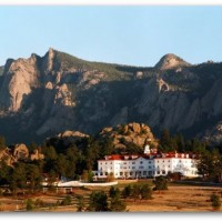 The-Stanley-Hotel-in-the-Rocky-Mountains