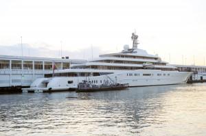 Roman Abramovich's yacht in Manhattan